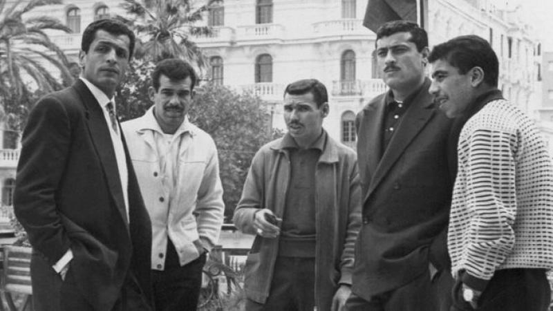 """L'incroyable histoire des """"dribbleurs de l'indépendance"""" de l'Algérie"""