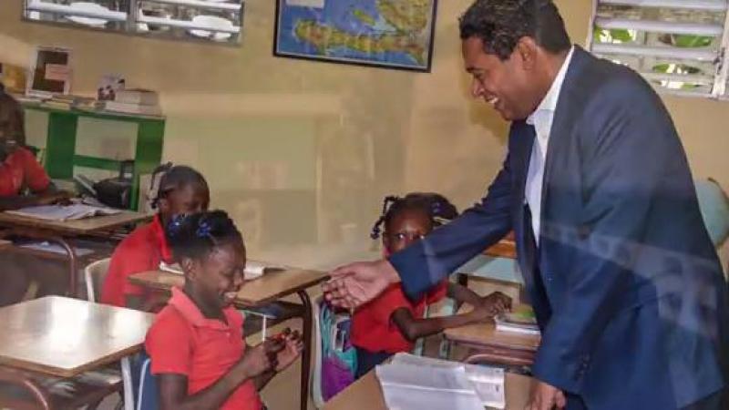 Le député Jerry TARDIEU visite l'école RÊVES & ACTIONS