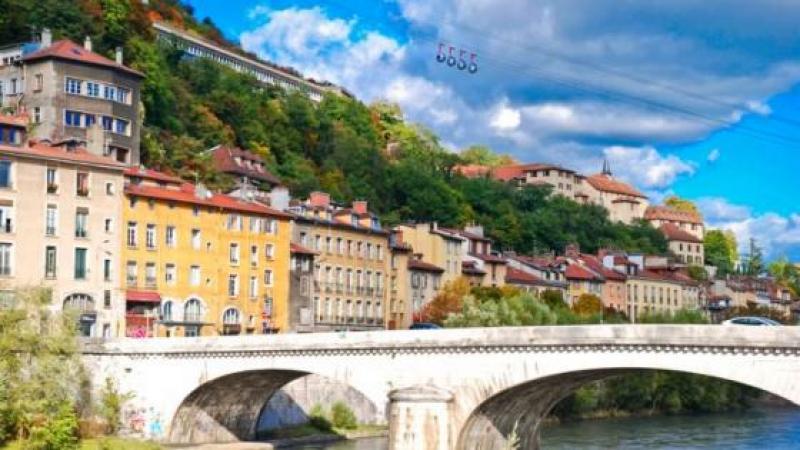 Grenoble, première ville d'Europe sans panneaux publicitaires