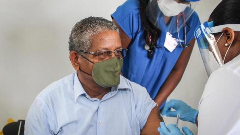 Covid-19 : les Seychelles, pays le plus vacciné du monde, réinstaurent des restrictions