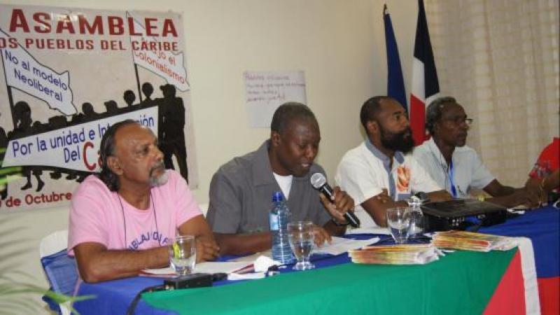 Entèvansion Sanblaj pou fè kréyol lékol lè 28 oktob 2017 pou jounen entènasional kréyol pa koté Sendomeng adan kad sétiem Sanblé Pep Karayib (A . P. C . Asamblea de los Pueblos Del Caribe).