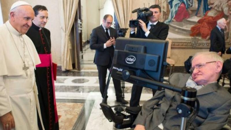 """""""Dieu n'existe pas"""" : Stephen Hawking était un athée convaincu"""