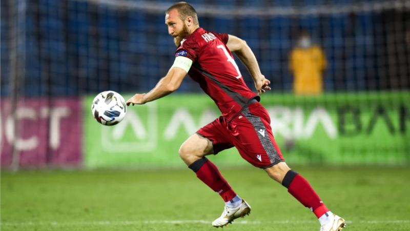 Arménie: le capitaine de la sélection refuse un club pour partir à la guerre