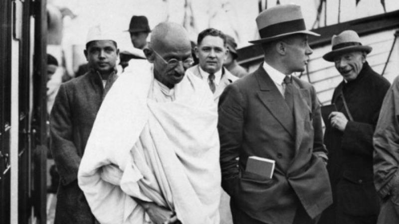 Non-pacifiste du tout : 13 citations racistes de Gandhi à propos des Hommes Noirs