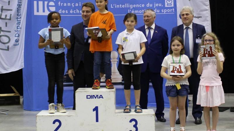 Eline Mencé, vice-championne de France du Championnat d'échecs Jeune