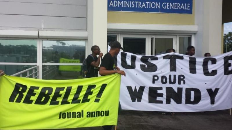 Campus de Fouillole : des étudiants perturbent un cours en Fac de Droit, pas de vigiles !