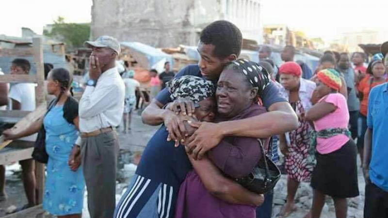 """Le célèbre """"Marché en fer"""", joyau de la capitale haïtienne, est parti en fumée"""