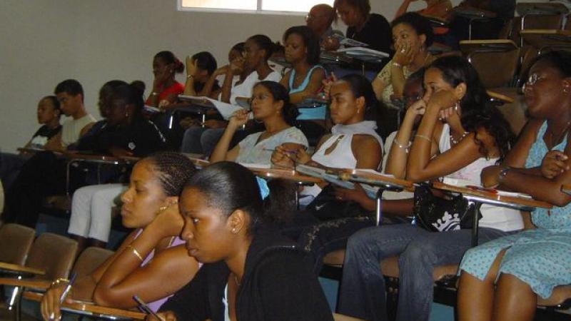 Des élèves de troisième s'expriment sur le français et le créole en Martinique