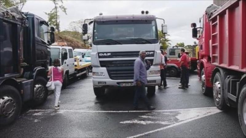L'inacceptable chantage des patrons transporteurs