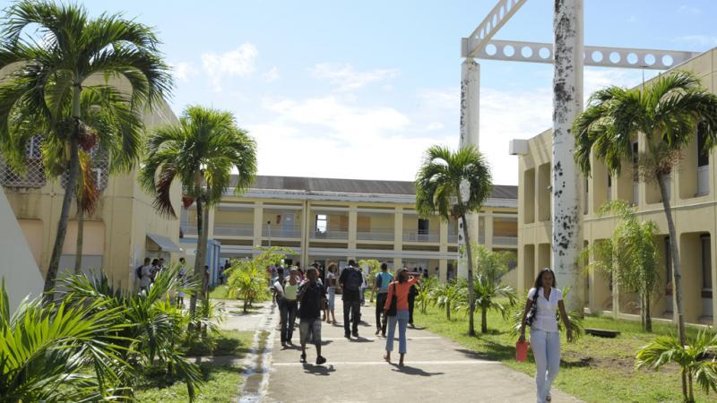 """En Martinique, personne n'a jamais demandé la création d'une """"Université de la Martinique"""" !"""
