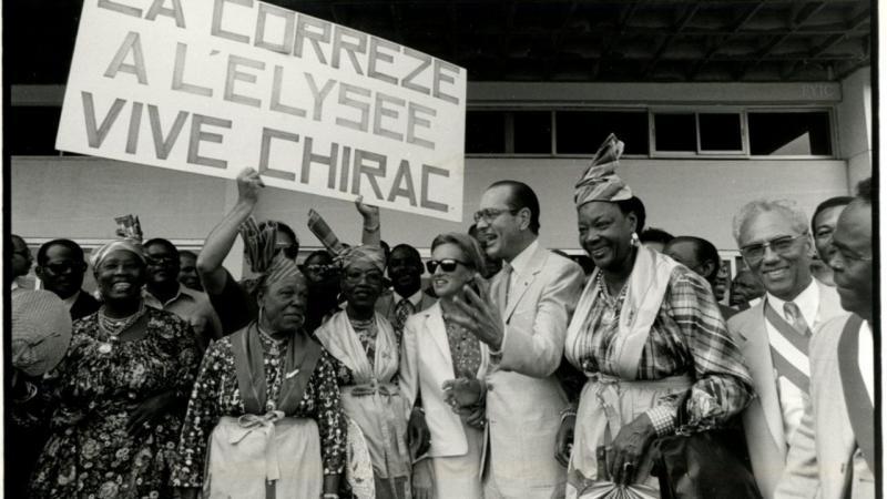 Chirac: les arts premiers, oui ; les langues régionales, non. L'ancien président était à la fois un sincère défenseur des cultures du monde et un adversaire résolu des langues minoritaires en France.