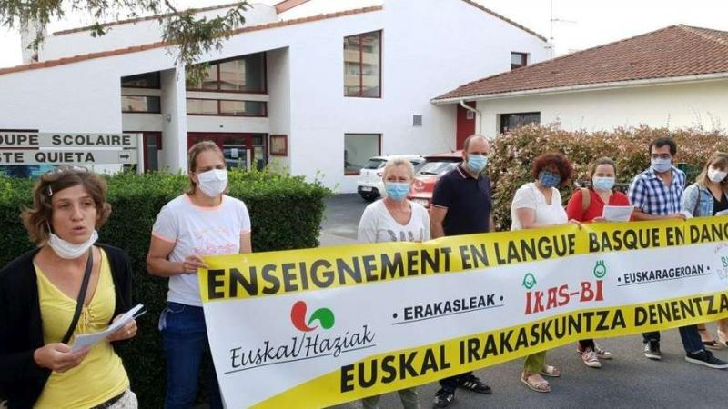 Pays basque: une chaîne humaine pour défendre les langues régionales