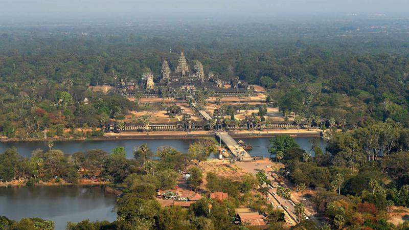 Patrimoine : les temples d'Angkor menacés par un parc d'attractions