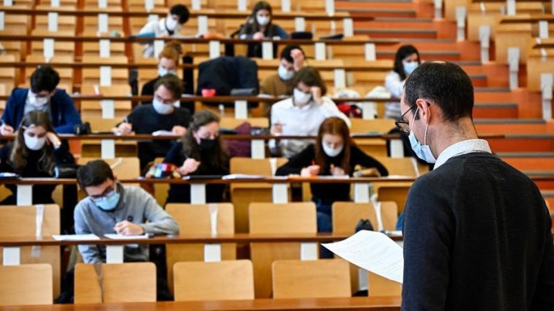 Enseignants-chercheurs : le métier universitaire écartelé