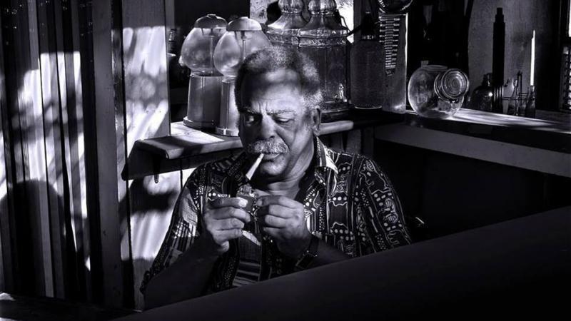Edouard Glissant et son atelier d'éclairs