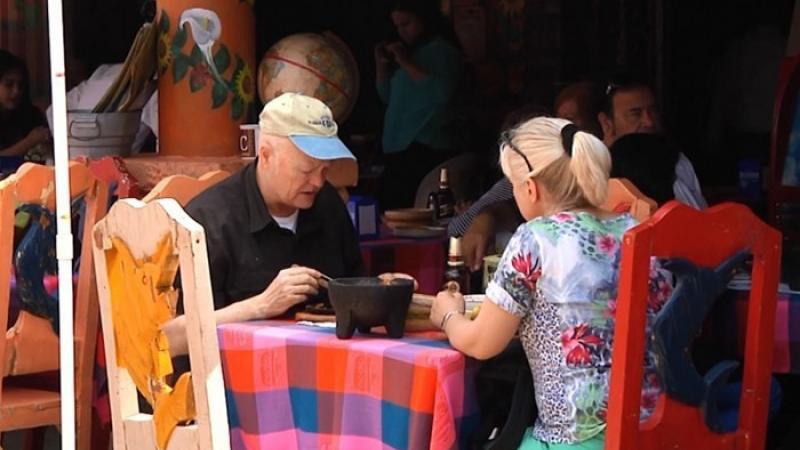 Casi un millón de «gringos» viven como ilegales en México