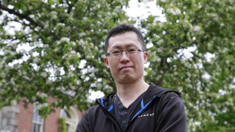 Chinese couple told to reapply for citizenship in English after applying in Irish