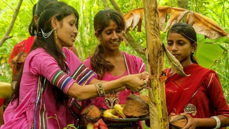 LE VILLAGE INDIEN QUI CELEBRE L'ECO-FEMINISME
