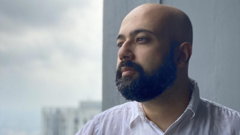 """Prajwal Parajuly : """"En Inde, une période épouvantable pour être citoyen, mais extraordinaire pour être écrivain !"""""""