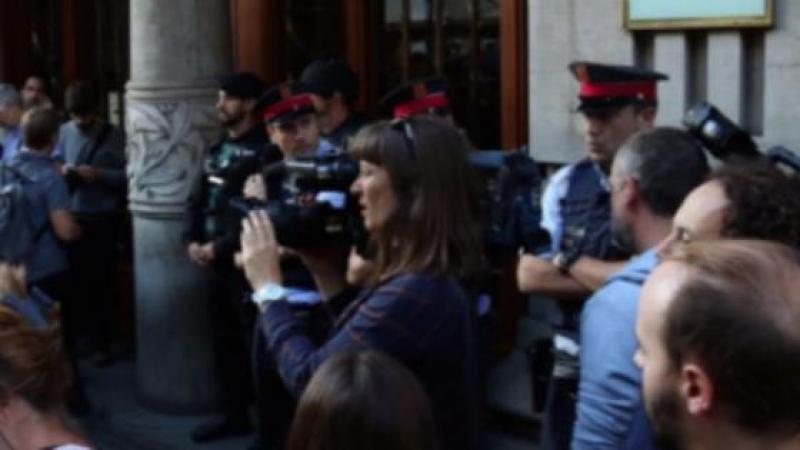 Coup d'État en Catalogne : la Guardia Civil prend d'assaut le gouvernement catalan