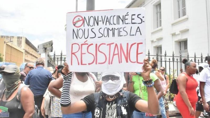 Covid-19 :  contestation et désobéissance aux Antilles : quelle sortie de crise possible ?