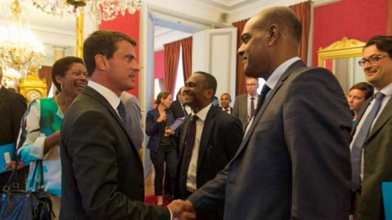 Battu à Barcelone, Manuel Valls envisagerait de se présenter aux prochaines municipales à Fort-de-France ou à Sainte-Luce
