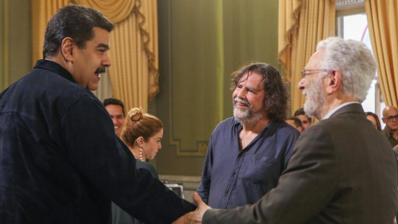 Presidente Maduro anunció la creación del Instituto Nacional para la Descolonización (+Videos y micros radiales)