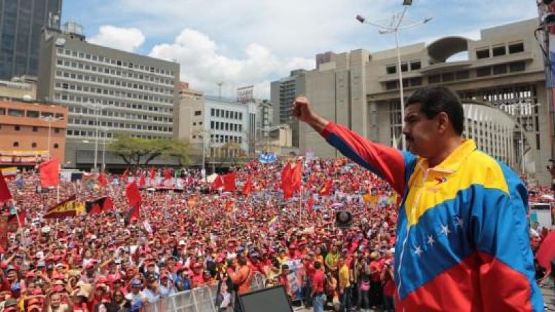 NON A L'INGERENCE !  NON A LA SUBVERSION. SOLIDARITE AVEC LA REVOLUTION BOLIVARIENNE !