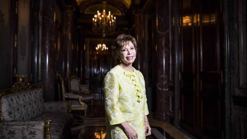 Isabel Allende gana el Premio Internacional de Novela Histórica Barcin