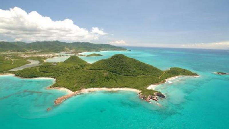 WHY BILLIONAIRES ARE FLOCKING TO ANTIGUA AND BARBUDA