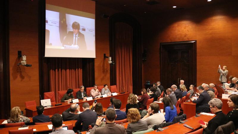 """Puigdemont reivindica la DUI com """"l'única opció digna"""""""