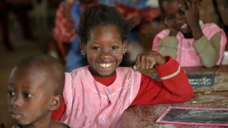 « AU NOM DU SAVOIR ET DE LA DEMOCRATIE, ENSEIGNONS DANS LES LANGUES AFRICAINES ! »