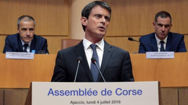 Valls rejette la co-officialité de la langue corse