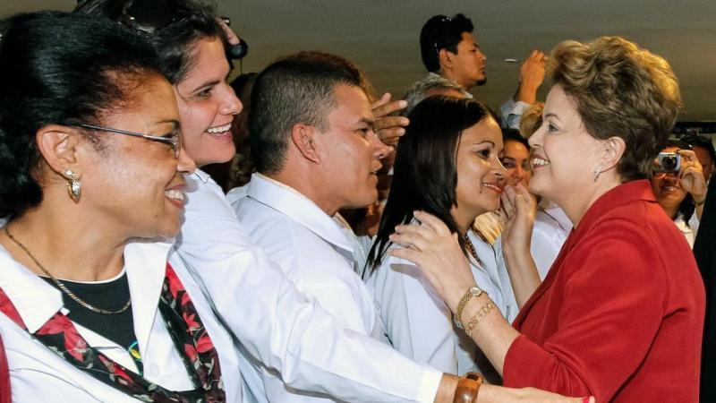 Après le départ des médecins cubains, qui soignera les pauvres au Brésil ?