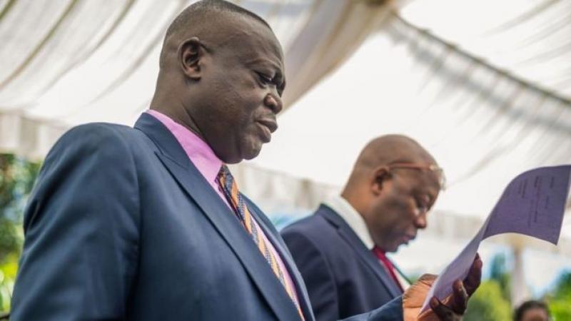 Zimbabwe : l'Etat restitue les fermes aux blancs