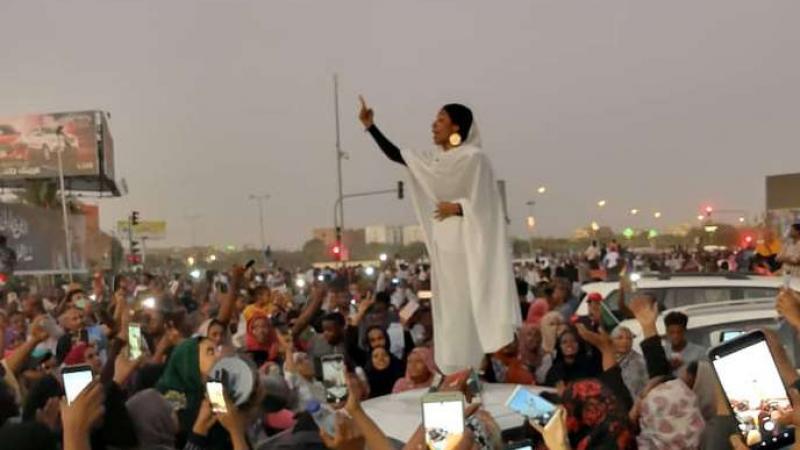 Au Soudan, les femmes à la pointe de la révolte : « On ne veut pas juste changer ce dictateur, on veut changer le monde »