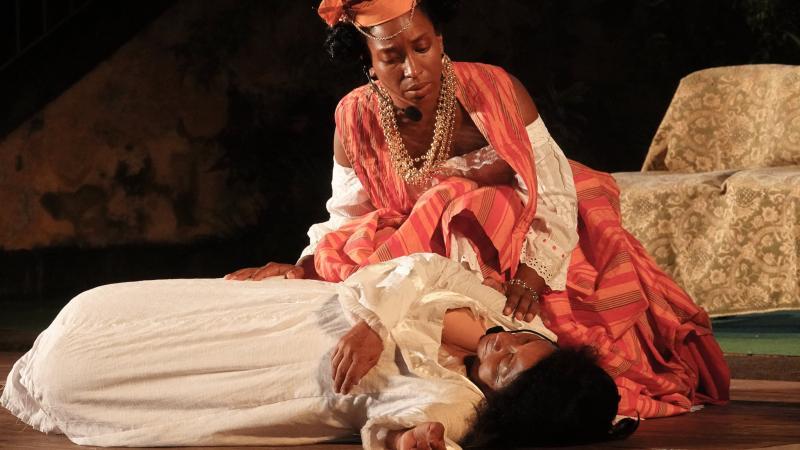 """""""Le nabab de Saint-Pierre"""" triomphe dans les ruines de l'ancien théâtre"""