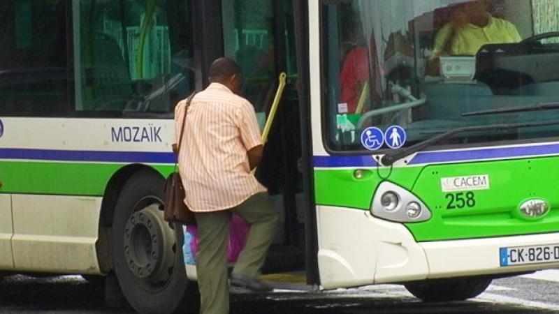 La chauffeuse de bus a insulté un collègue, mais le syndicaliste a insulté la langue créole