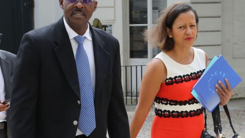 LA JUSTICE-SOUS-LES-COCOTIERS NE JOUE PLUS A LA BELLE-AU-BOIS-DORMANT