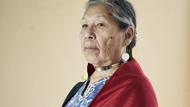 Une mère sioux et sa fille racontent une vie de combat aux États-Unis