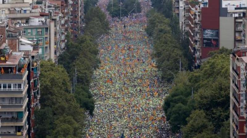 A BARCELONE, PLUS D'UN MILLION DE PERSONNES RECLAMENT L'INDEPENDANCE