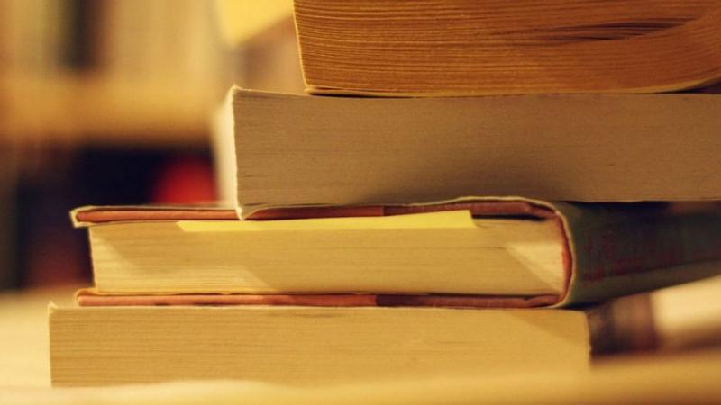 Le temps que vous passez sur les réseaux sociaux vous empêche de lire 200 livres par an