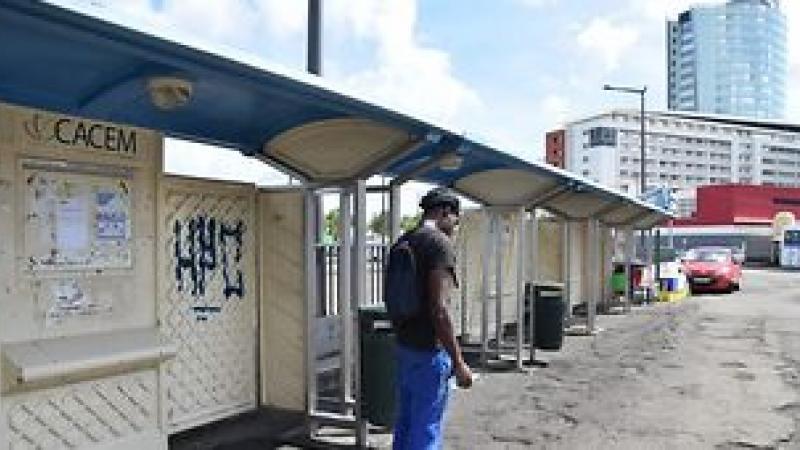Bus de Fortde-France à l'arrêt : l'indignation d'une citoyenne