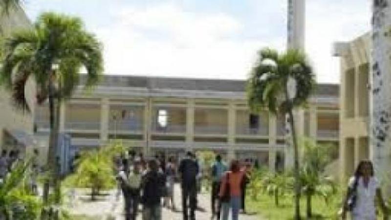 Université des Antilles : remettre en place des pro-CEREGMIA ? (René Dorville)