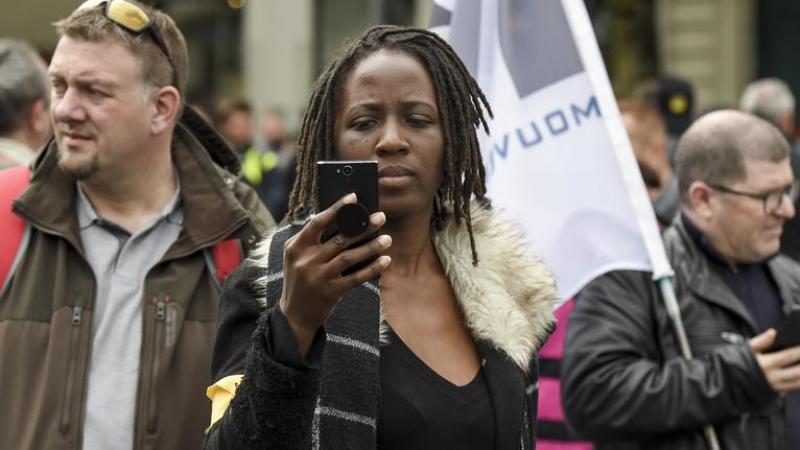 La «gilet jaune» Priscillia Ludosky déjeune avec le Financial Times