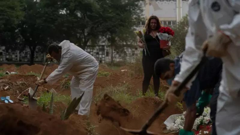 Coronavirus : au Brésil, « nous sommes à la limite de la barbarie »