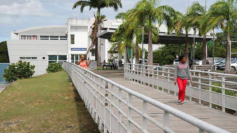 Le président de l'Université des Antilles s'explique sur la modification des horaires d'ouverture et de fermeture du campus de Schoelcher
