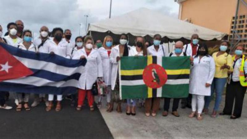 Un nouveau groupe de coopérants cubains de la santé arrive en Dominique