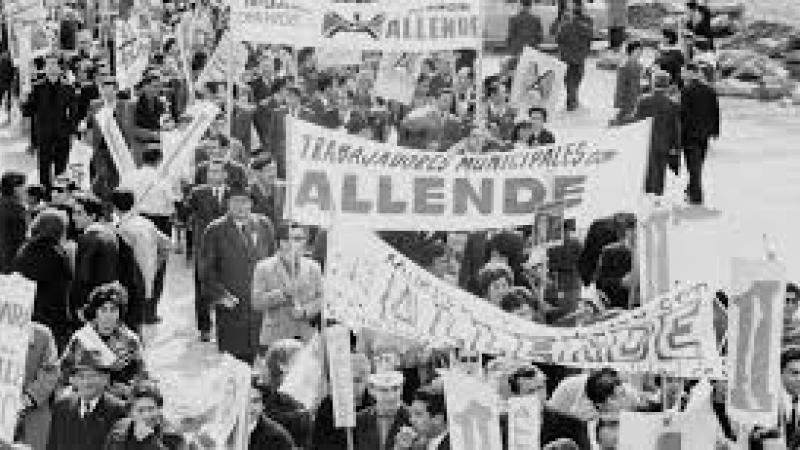 Au Chili, les magnifiques chansons de Victor Jara percent le silence du couvre-feu
