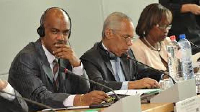 VICTORIN LUREL: «SERGE LETCHIMY VIENT ICI, EN GUADELOUPE, DEFENDRE PERSONNELLEMENT CEREGMIA»